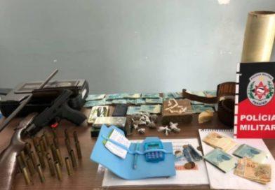 NA PB: Idosa de 78 anos é presa por porte ilegal de armas e tráfico de drogas
