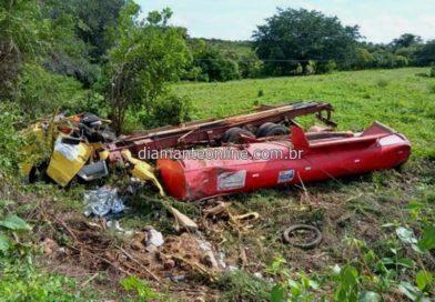 Capotamento de caminhão-pipa deixa motorista morto, no Vale do Piancó
