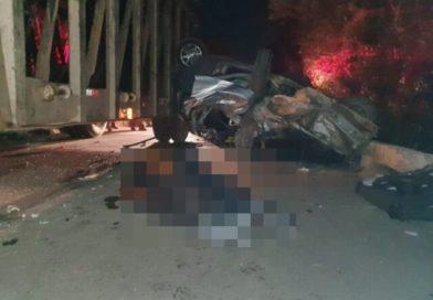 Homem morre preso às ferragens e duas pessoas ficam feridas após colisão entre veículos, na Paraíba