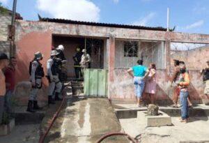 Jovem de 19 anos morre em incêndio dentro de residência, em Piancó